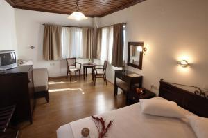Hotel Mirovoli, Отели  Милиес - big - 10