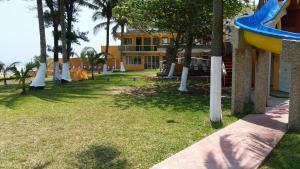 Hotel y Balneario Playa San Pablo, Отели  Монте-Гордо - big - 201