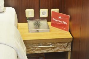 ZEN Rooms KH Mas Mansyur, Отели  Сурабая - big - 20