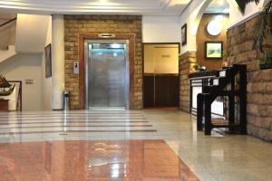ZEN Rooms KH Mas Mansyur, Отели  Сурабая - big - 25