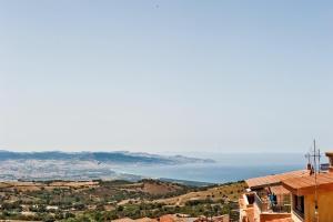 Isola Rossa Residence Con Piscina - AbcAlberghi.com