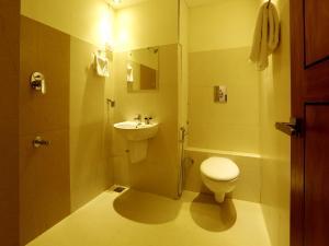 OYO 4491 George's The Royal Suite Residency, Hotel  Sultan Bathery - big - 16