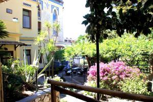 Villa Helios, Szállodák  Capri - big - 48
