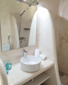 Only yours , Mykonos, Apartments  Paraga - big - 81