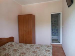 Guest House Ostrov Sokrovishch, Гостевые дома  Лоо - big - 42