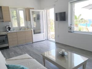 Only yours , Mykonos, Apartments  Paraga - big - 44