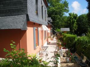 Les Coquillettes, Bed & Breakfasts  Honfleur - big - 98