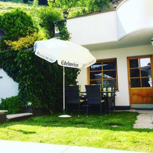 Alp Chalet Appartement, Ferienwohnungen  Kappl - big - 17