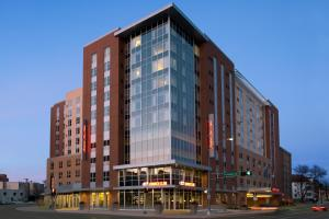 Hampton Inn&Suites Madison Downtown - Hotel - Madison
