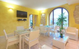 Raffaello Residence, Aparthotely  Sassoferrato - big - 82