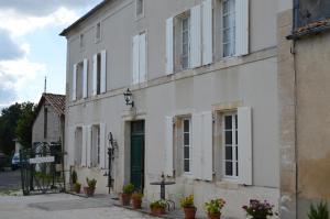Location gîte, chambres d'hotes La Vieille Distillerie dans le département Charente 16