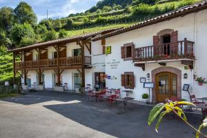 Location gîte, chambres d'hotes Logis Hotel Erreguina dans le département Pyrénées Atlantiques 64