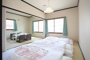 Fujiyama Base, Bed and Breakfasts  Fudžijošida - big - 5