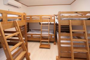 Fujiyama Base, Bed and Breakfasts  Fudžijošida - big - 22