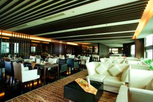 Grand Aston City Hall Hotel & Serviced Residences, Aparthotels  Medan - big - 38