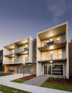 Hamilton Executive Apartments