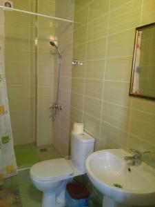 Guest House Granat, Гостевые дома  Кабардинка - big - 40