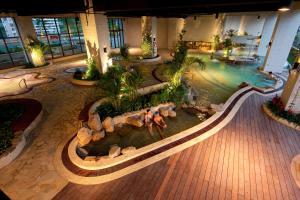 Evergreen Resort Hotel (Jiaosi..