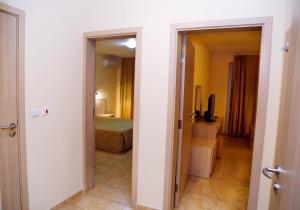 Velena Apartments, Apartmány  Kranevo - big - 65