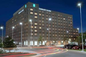 Embassy Suites Boston at Logan Airport - Hotel - Boston