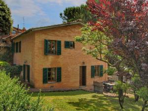 Cozy Holiday Home with Pool in Sienna Italy - AbcAlberghi.com