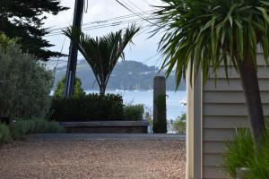 Oneroa Secret Garden Apartments, Apartmanok  Oneroa - big - 12