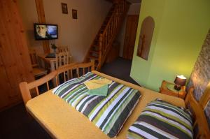 Penzión Prameň, Guest houses  Vinné - big - 38