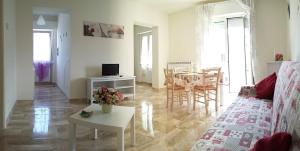 Casa Vacanze Le Due Palme - AbcAlberghi.com