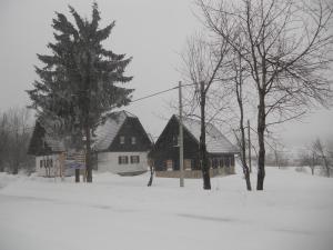 Pansion House Prijeboj, Vendégházak  Jezerce - big - 40