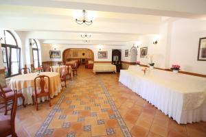 Hotel Ruia, Hotely  Poiana Brasov - big - 40