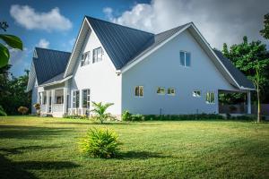 Island Charm Of Praslin, Дома для отпуска  Гранд Анс Праслин - big - 1