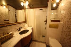 Vintage Luxury Yacht Hotel (27 of 40)