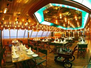 Vintage Luxury Yacht Hotel (24 of 40)