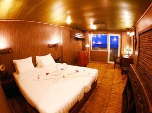 Vintage Luxury Yacht Hotel (23 of 40)