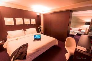 Location gîte, chambres d'hotes Le Rex Hôtel dans le département Hautes Pyrénées 65