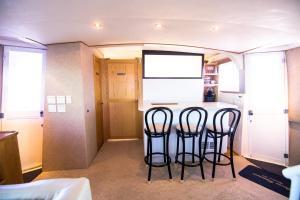 Ocean Romance Dockside Bed & Breakfast Yacht, Отели типа «постель и завтрак»  Ньюпорт - big - 29