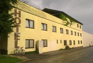Hotel Butter, Hotels  Vösendorf - big - 16