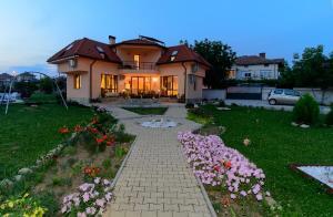 Guesthouse Ana-Val, Dovolenkové domy  Sandanski - big - 38