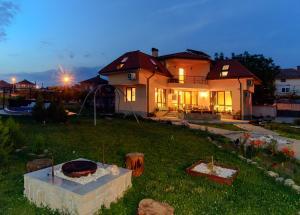 Guesthouse Ana-Val, Dovolenkové domy  Sandanski - big - 37
