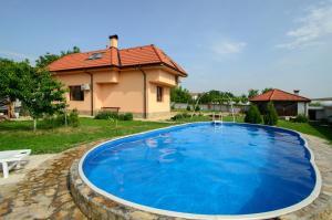 Guesthouse Ana-Val, Dovolenkové domy  Sandanski - big - 29