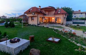 Guesthouse Ana-Val, Dovolenkové domy  Sandanski - big - 11