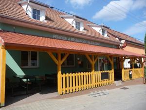 Albergues - Penzion a Restaurace Na Záložně