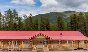 Halfway Hotel - East Glacier Park