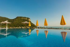 Sky Pool Hotel Sole Garda - AbcAlberghi.com