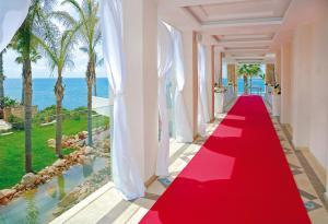 Alexander The Great Beach Hotel, Szállodák  Páfosz - big - 42