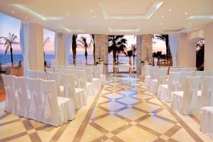 Alexander The Great Beach Hotel, Szállodák  Páfosz - big - 48