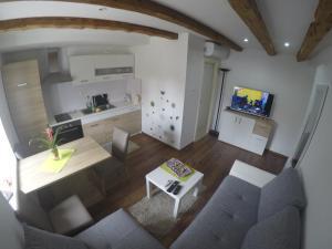 Apartment P & I