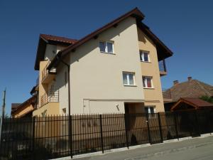 Garsoniera Strada Bucegi, Apartments  Sibiu - big - 1