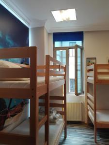 Pura Vida Sky Bar & Hostel, Hostelek  Bukarest - big - 11