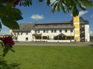 Hotel Schoos - Kleinlangenfeld